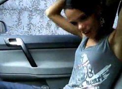 Novinha amadora do porno tub pelada no carro do ex