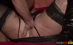 Xhamters masturbando e comendo uma mulher coroa